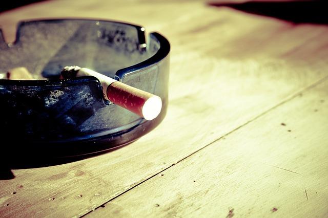 タバコの煙